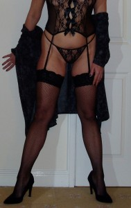 Birmingham MILF looking for threesome